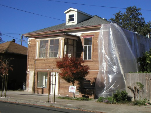 Downtown home on Vallejo St....during repainting