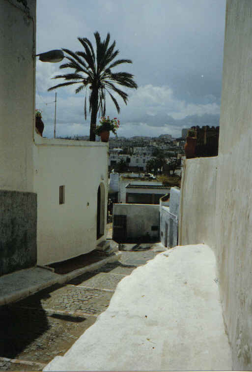 little street - way to the native Moroccan house