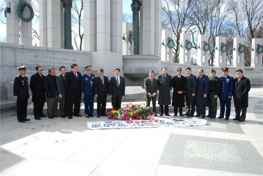 Wreath-laying at the World War II Memorial in Washington D.C., to honor Filipino veterans who fought alongside their U.S. allies in the Philippines in World War II