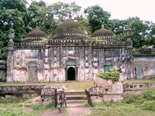 The mosque at Khwaja Anwar's tomb