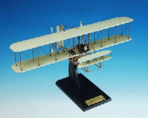 "Daron Worldwide Trading ESAG018 Wright Flyer ""KITTY HAWK"" 1/24 AIRCRAFT"