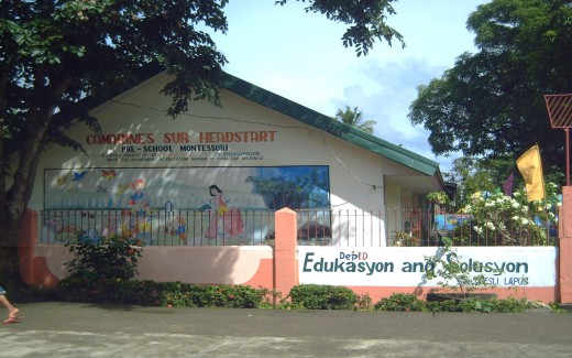 School premise of Hobo Elem. School and Signage (Photo by Travel Man)