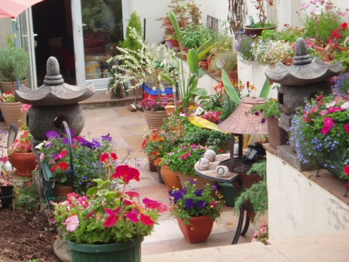 How to make a small area in your garden look nice and for Making a small garden