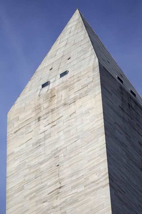 A crack was discovered in the top of the Washington Monument after Tuesday's quake rumbled through the Nation's Capitol.