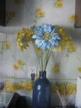 Decorating against the wallpaper