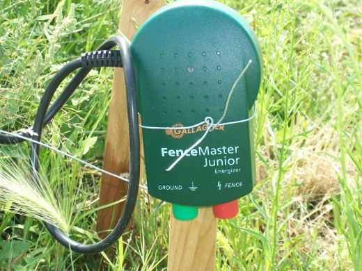The electric fence system that delivers the shock through all the wire.