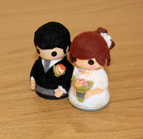 Make Your Own Wedding Topper: How To Make Your Own Cute Wedding Cake Toppers In 10