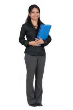 """Job Interview appropriate dress for a casual, lax firm.  The blue folder is ok because if the interviewer can't quite remember you, he or she will remember that you are the young lady  who had the """"big bue folder.""""  Whatever it takes...Right?"""