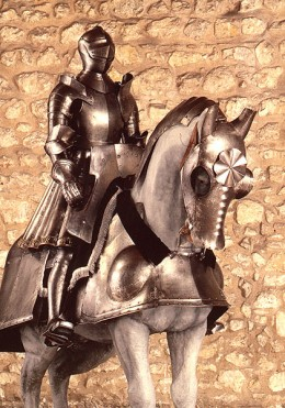 Henry VIII armor for man and horse, year 1515, at Tower of London. (photo from tudorhistory.org)
