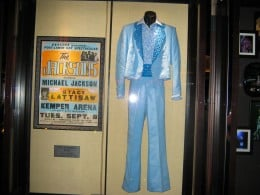 Outfit worn by Michael Jackson