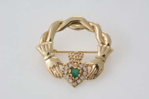 To see more jewelry like this visit Seoda Si Celtic Jewelry.com