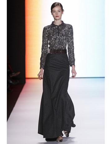 Carolina Herreras runway eveningwear