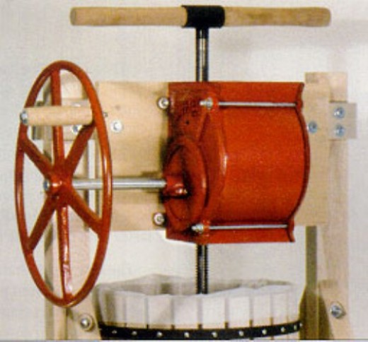 Apple grinder use with the press above or add to an existing press.