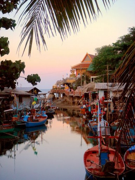 Picturesque Khao Tao fishing village