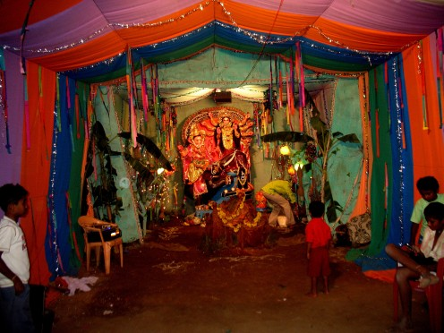 Ar Hosur Tamil Nadu few kilometers Away from NH 7 on the way and around my place are many villages that celebrate Sri.Ganesh Chaturti.This place is PAYANADODDI.