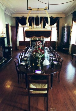 Main dining room of the mansion at Oak Alley.