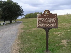 National Historic Landmark sign leading up to the property at Oak Alley.