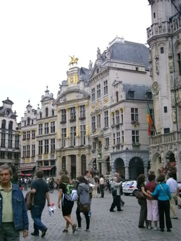 The city center of Brussels--surounded by beautiful old architecture and a whole range of outdoor eateries--your cuppa may never taste that good.