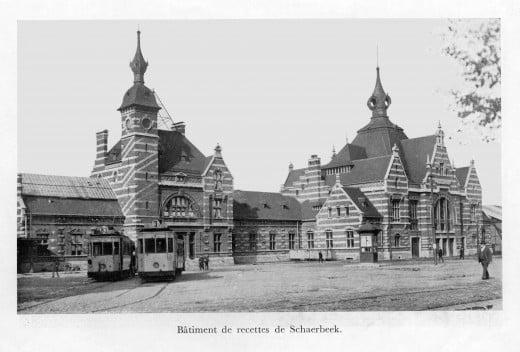 Schaerbeek / Schaarbeek station forecourt seen in the 1920s