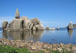 Rocks in Lake Victoria.  It is the source of the White Nile; bordered by Kenya, Tanzania and Uganda.