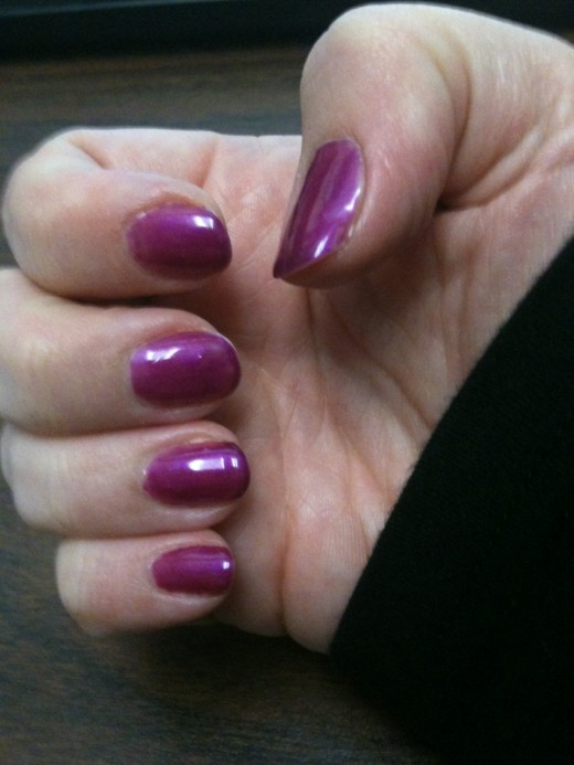 Gel manicure on day 4