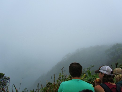 waiting for the clouds to lift at Kilohana Lookout