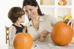 Easy Methods to Carve Your Halloween Pumpkin with Pictures to Obtain Professional Looking Results