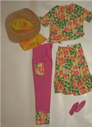 Barbie and Francie Color Magic Fun
