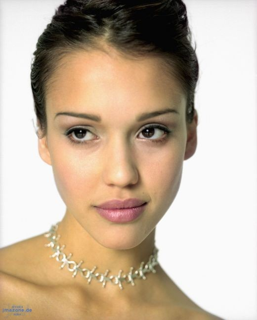 Watch the Jessica Alba video - produced with Photo Story 3!