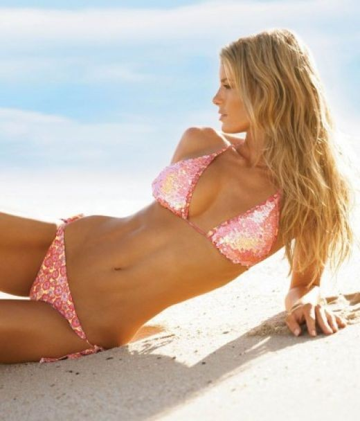 You know you can post a comment about Marisa Miller below. And vote thumbs up if you like this hub page please.