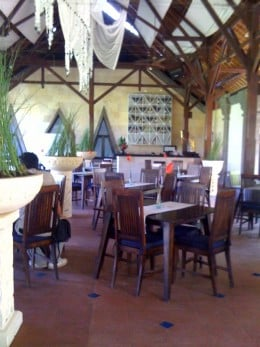 Dining pavilion awash in cool breezes