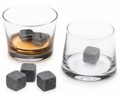 Whiskey stones buying guide – Keep your drink cold with whiskey stones