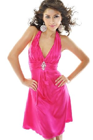Best prom dresses 2015 can be found in many amaizng and modern colors, such as in fuchsia, blue, turquise, even in black and white and amny other colors. Best prom dresses 2015 are short, also long and tea length.