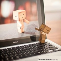 Can we allow : Love behind Internet ? Skype n Internat took the first place in dating, what to say?!