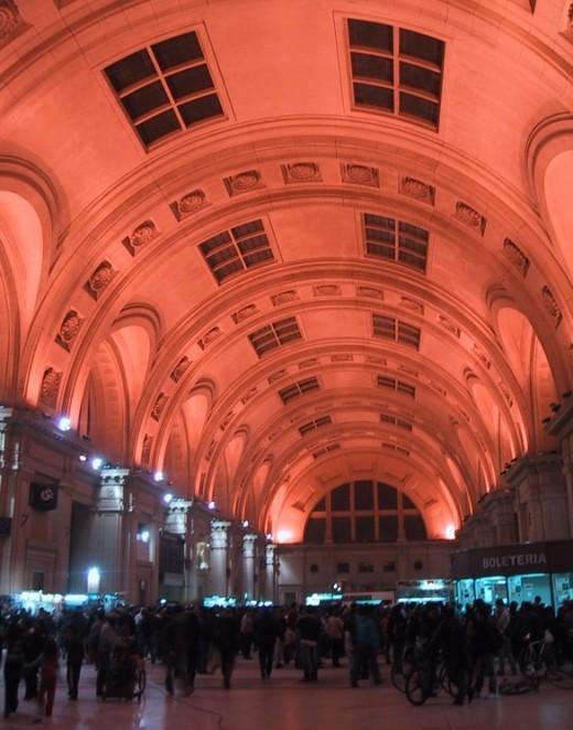 Bahnhof Plaza, Buenos Aires