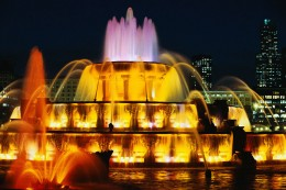 Buckingham Fountain in Grant Park is a familiar land mark in Chicago where many free festivals and free concerts are held each year in Chicago.