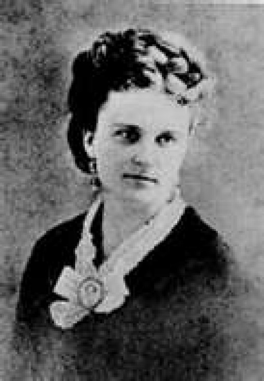 an examination of kate chopins the story of an hour In kate chopin's short story the story of an hour, there is much irony the first  irony detected is in the way that louise reacts to the news of the death of her.