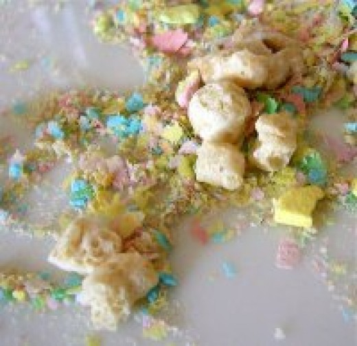 An example of either Lucky Charms or Marshmallow Matey's cereal mixed with cereal dust. This looks like a decent ratio.