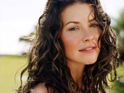 Evangeline Lilly Hates America