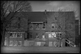 A front view of Cole's County Almshouse, or Ashmore Estates. Illnois