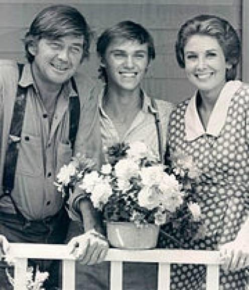 JOHN, (LEFT), JOHN BOY AND OLIVIA WALTON.
