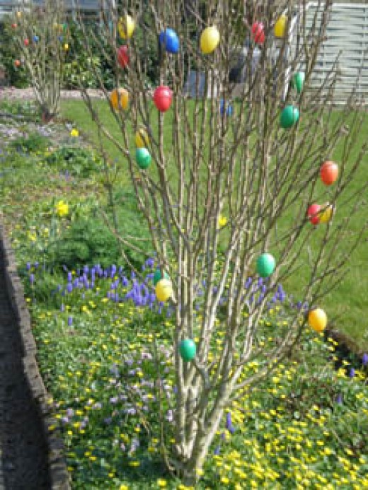 An Easter Tradition I grew up with: Hand-colored eggs on branches! We had them in the 'Haus'.