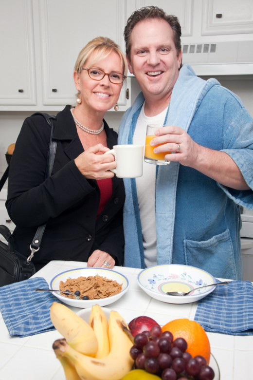 A couple eating a healthy breakfast