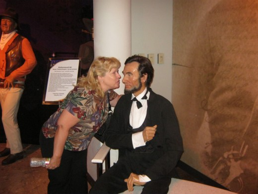 "Giving ""honest Abe"" a smooch! (No, I didn't REALLY kiss him!)"