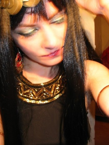 Cleopatra was beautiful and bold...now is your turn to look like her this Halloween.