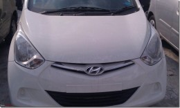 Hyundai Eon Front grille and head lamps close up