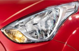 Hyundai EON HeadLight Picture