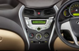 Hyundai EON Central Console Picture