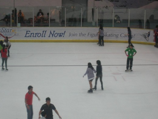 Filipinos taking the time to ice skate