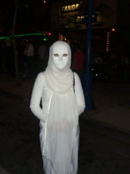 Ghostly White, Simple but Scary
